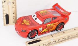 "LIGHTNING MCQUEEN 1:43 DIECAST CARS TOY VEHICLE 4"" FIGURE DISNEY STORE E... - $16.04"