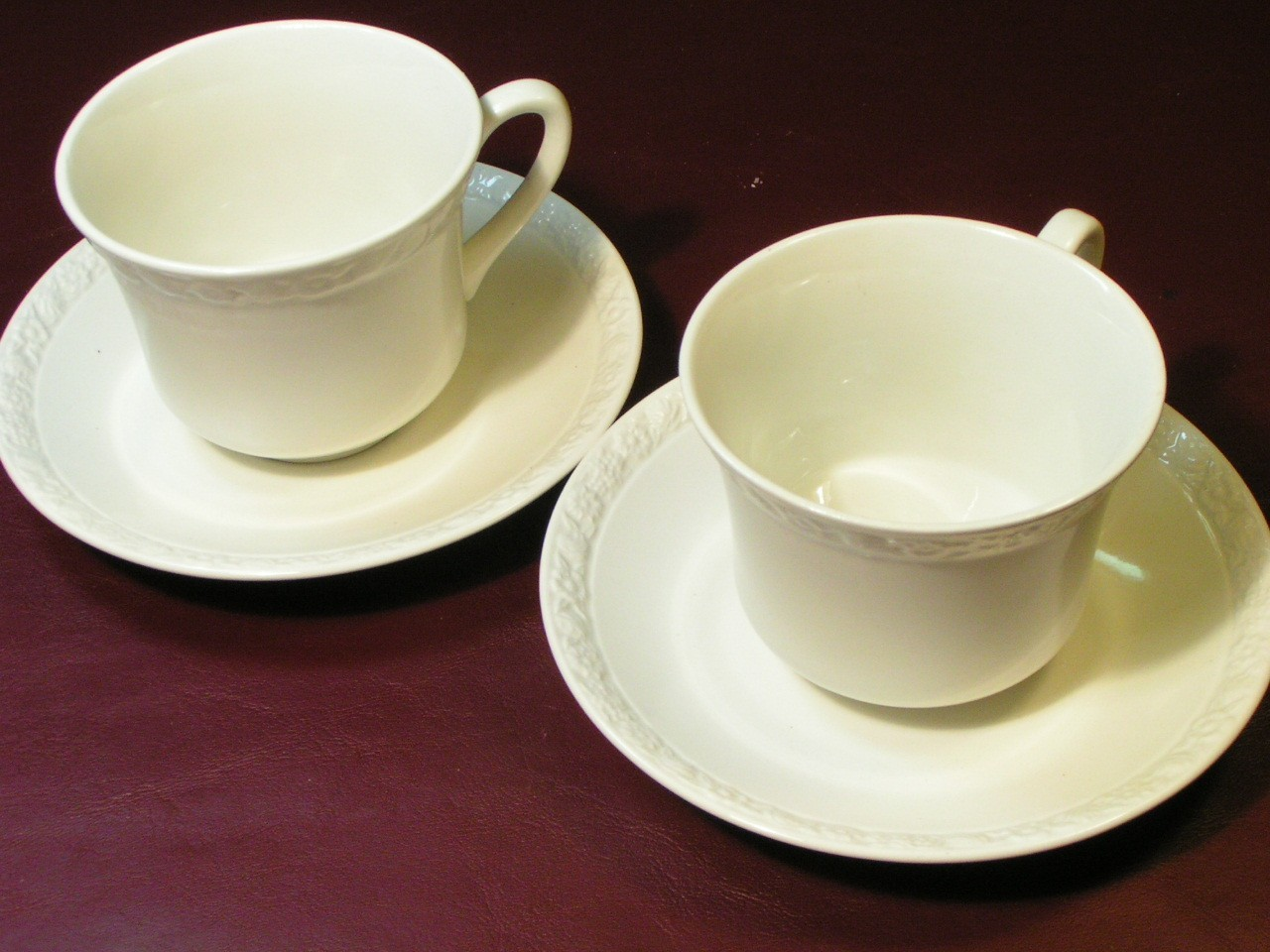 Hedge Rose White by Wedgwood LOT 2 CUPS + 2 SAUCERS image 2