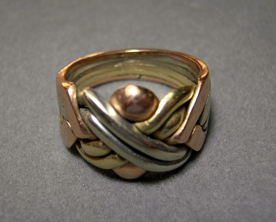 14k Gold Puzzle Ring 6 Band Tri Color Gold 10.2 gram SZ 8.5 Movable Vintage