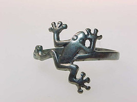 Vintage STERLING Silver FROG Ring - Size 6 1/2 - FREE SHIPPING - $22.00