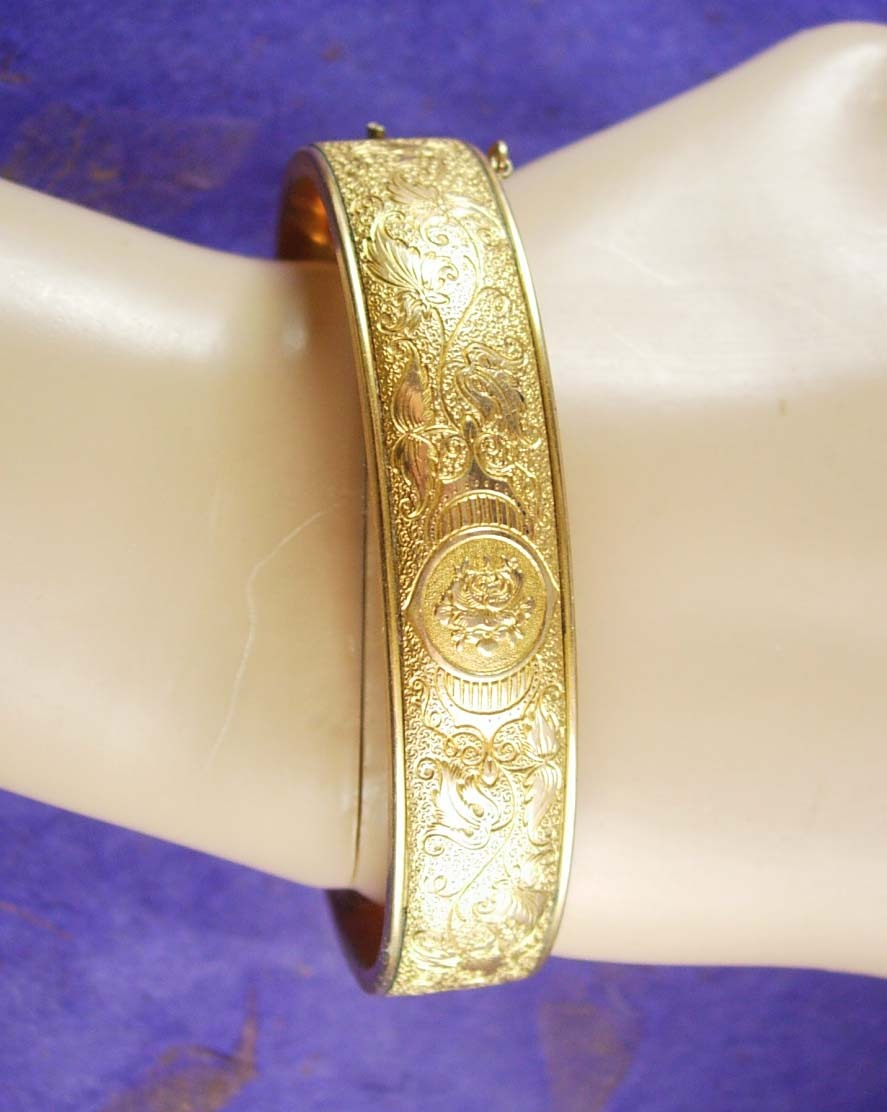 Vintage Victorian Bracelet fancy floral etched bangle hinged gold filled