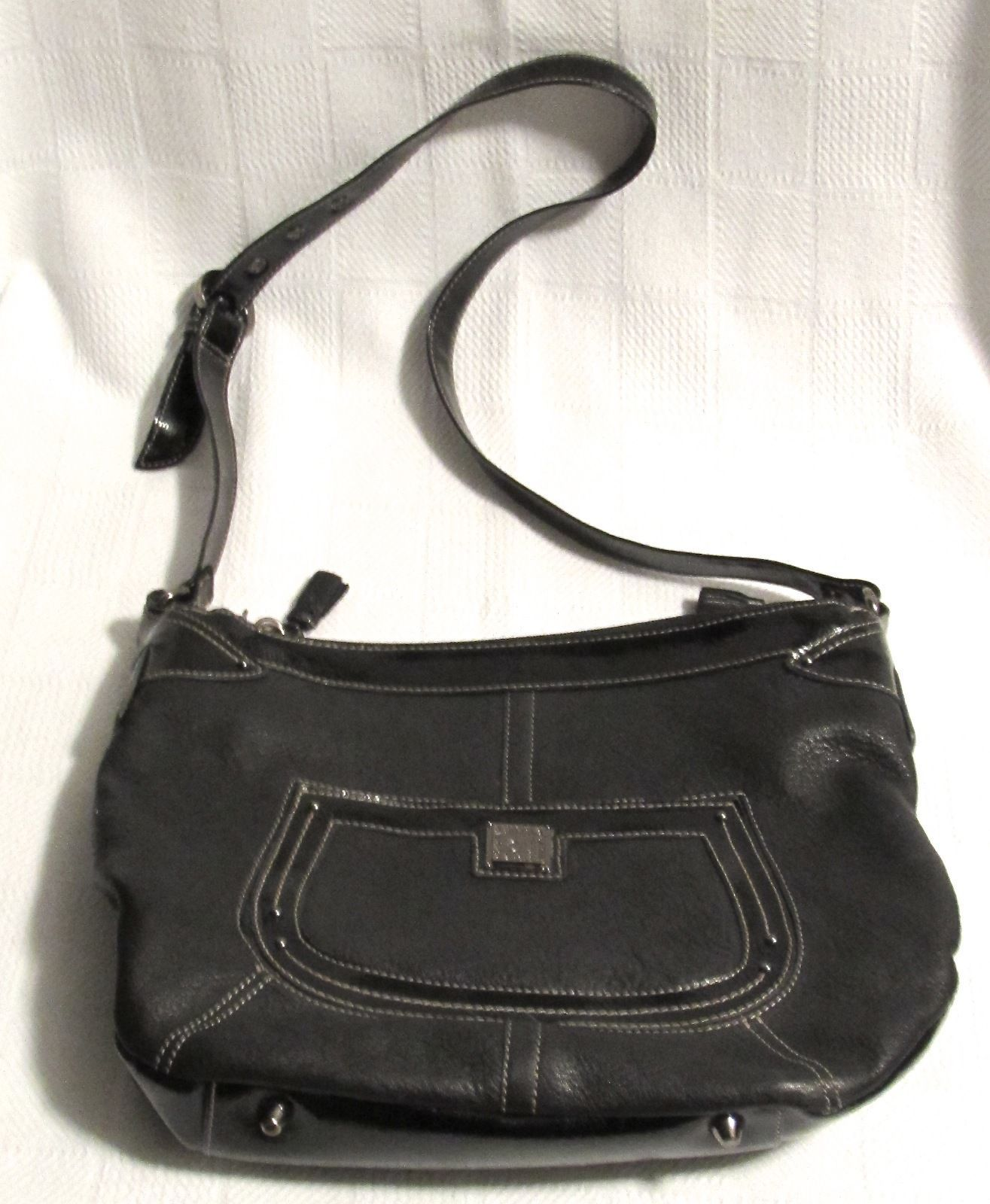 Stone Mountain Black Pebbled Leather Knights Bride Bucket Bag lot of Pockets