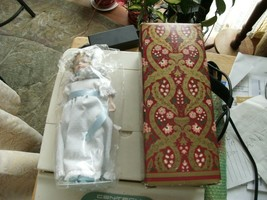 16#C   Vintage New In Box & Bag  Avon Victorian Collector Doll 1983 - $4.94