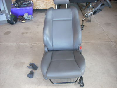 1778 rt front seat with airbag