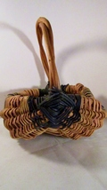 Wicker farm yard egg basket grape vine handle 01 thumb200