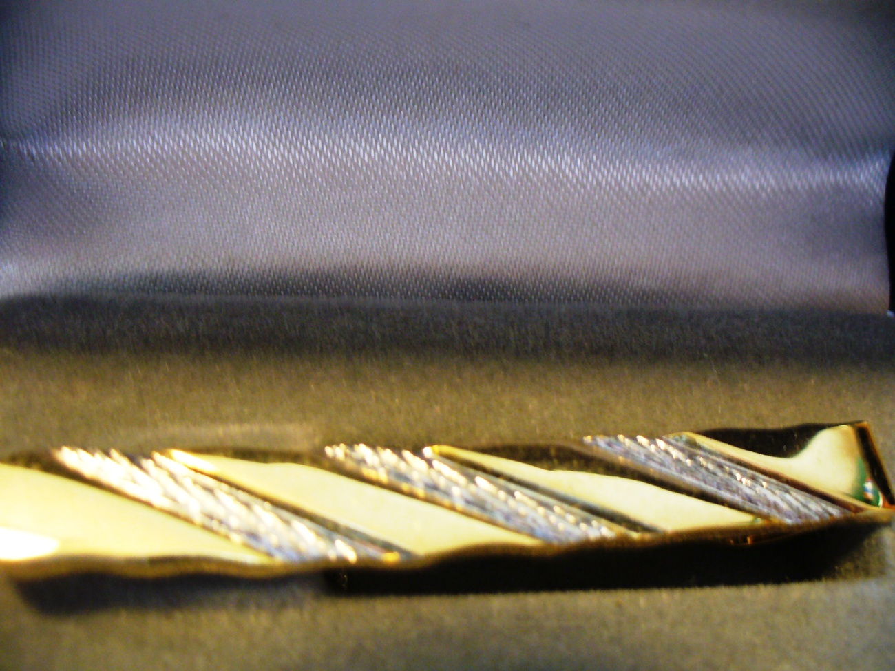 Gold Tone and Silver Stripe Tie Clasp