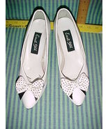EAST 9th white heel pump SIZE 7 WITH polkadot BOW-VINTAGE CLASSIC STYLE - $9.99