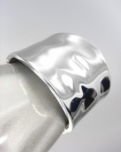 CLASSIC Designer Style Smooth Organic Silver Metal Hinged Bangle Bracelet - €14,87 EUR