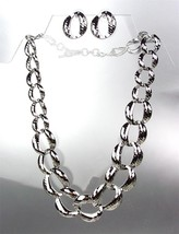 CLASSIC Graduated SILVER Metal Hammered Texture Chain Chains Necklace Set - $15.98