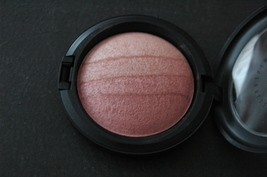 Mac Mineralize SkinFinish ~ BLONDE ~ NIB  - $69.99