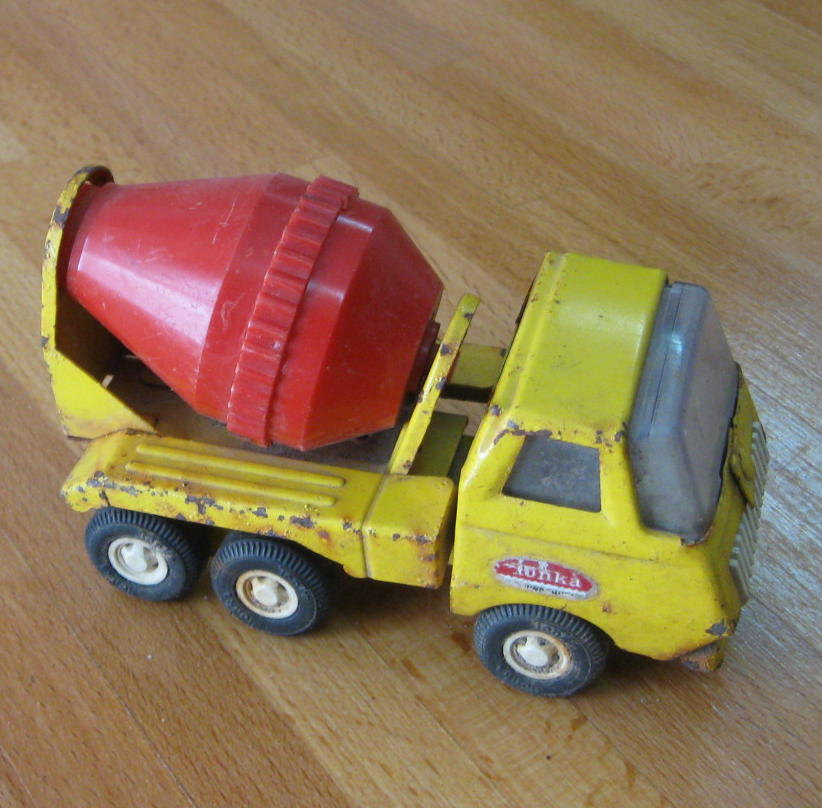 Vintage Tonka Mound Minn Yellow Metal Cement Mixer Truck 55010