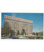 Wilmington Delaware DE The Du Pont Building Vintage Postcard - $6.49