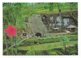 Bali Temple Gunung Kawi Rock Carvings Candi Shrines Vtg Indonesia Postca... - $7.56