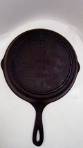 Cast iron skillet 8 inch sk number 5 lodge 01 thumb200