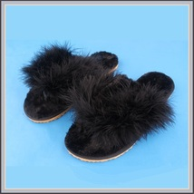 Soft Fuzzy Black Ostrich Feather Sheepskin Thong Slippers