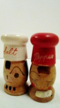 Wooden salt and pepper shakers little chef 01 thumb200