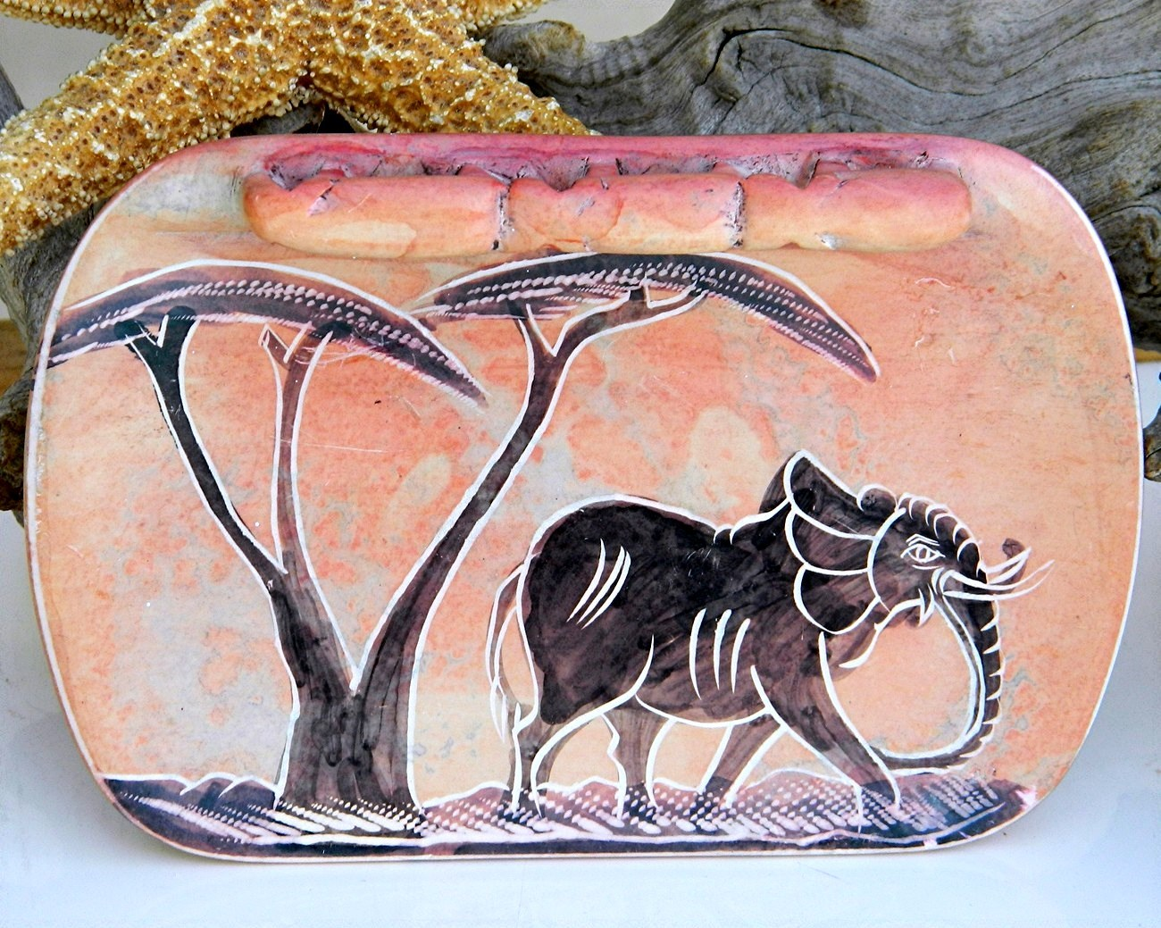 African soapstone kenya coin change dish elephant carved pink