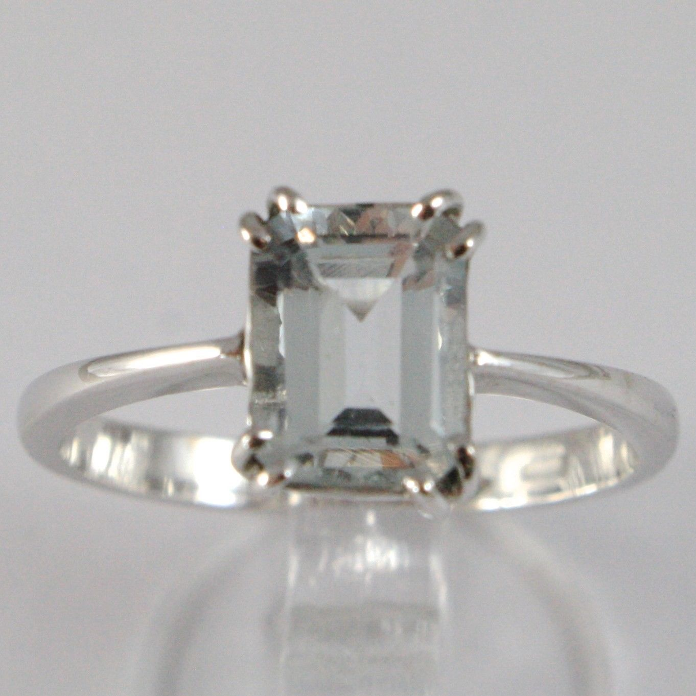 WHITE GOLD RING 750 18K, WITH AQUAMARINE CARAT 1.5, CUT EMERALD