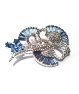 Light SAPPHIRE Pale Blue Baguettes Pin Brooch Delicate Bridal Vintage BR... - €59,73 EUR