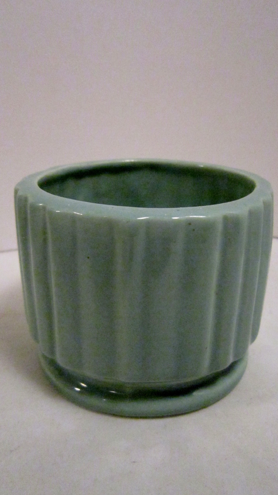 Pottery vase green ribbed planter 01