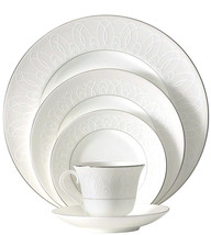 Waterford China Ballet Icing Pearl 5 Piece Place Setting New - $96.90