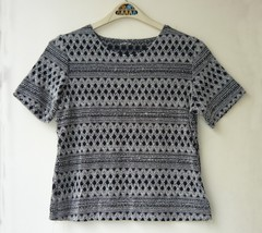Black And White Knit Top Sz. M - $5.00