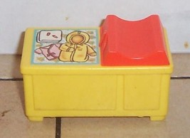 Vintage 80's Fisher Price Little People yellow Changing table FPLP - $9.50