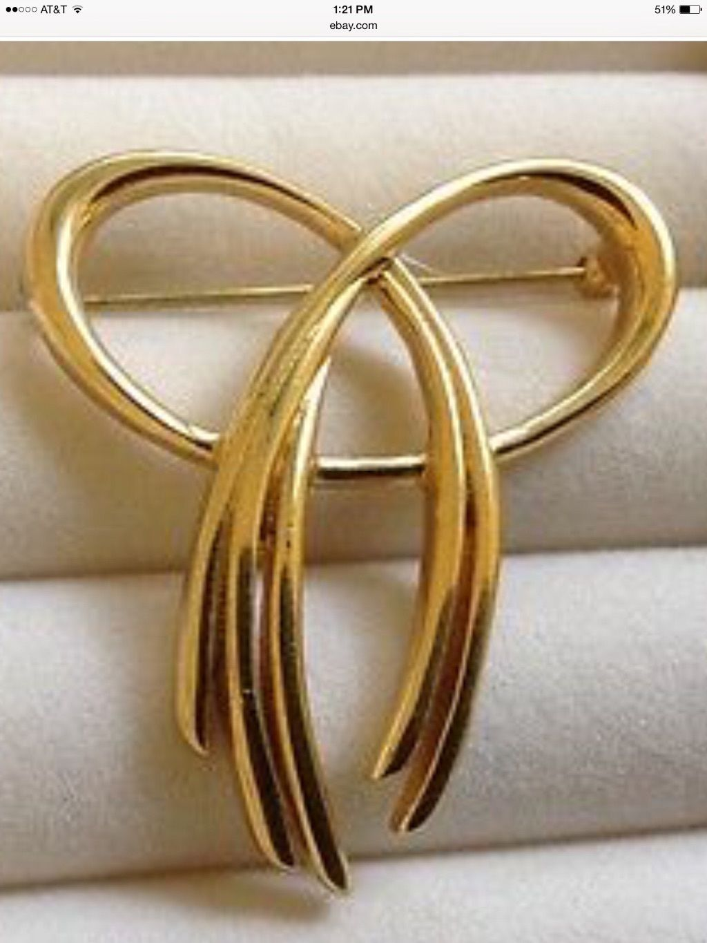 Primary image for Brooch or Pin Trifari Signed Gold Tone Metal Bow Design.