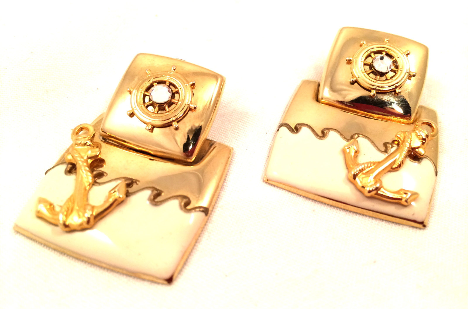 Primary image for Sea Nautical Boat Beige Waves Resort Sparkling Golden Anchor Vintage Earrings