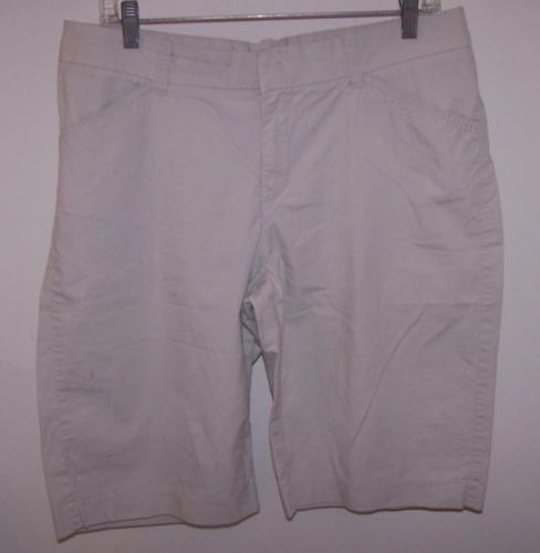 Lee Jeans Women's One True Fit Bernuda/Walking Shorts M (13-14) Beige 98% Cotton