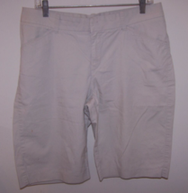 Lee Jeans Women's One True Fit Bernuda/Walking Shorts M (13-14) Beige 98... - $10.99
