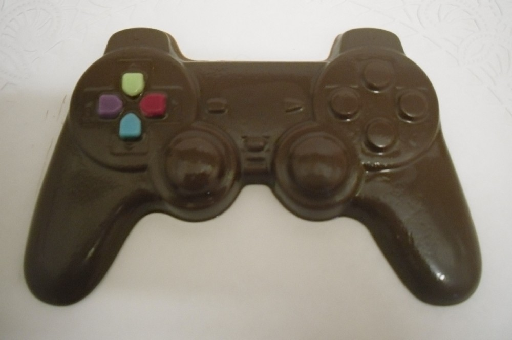 Chocolate Game CD and game controller image 2