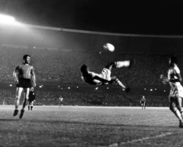 Pele Bicycle Kick SFOL Vintage 18X24 BW Soccer Memorabilia Photo - $34.95