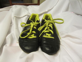 Puma Procat Youth Soccer Cleats Size: 3 Black/Green - $12.00