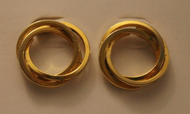 Vintage Avon Interlocking Circle Earrings - $5.99