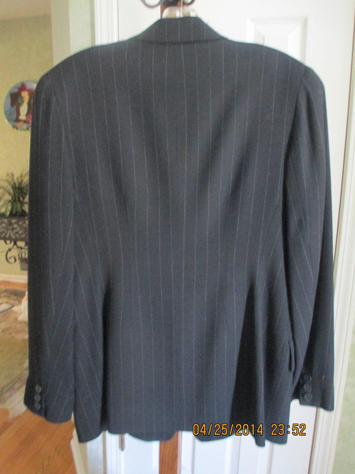 Emanuel Ungaro Black Pinstripe Classic Blazer size 4/38