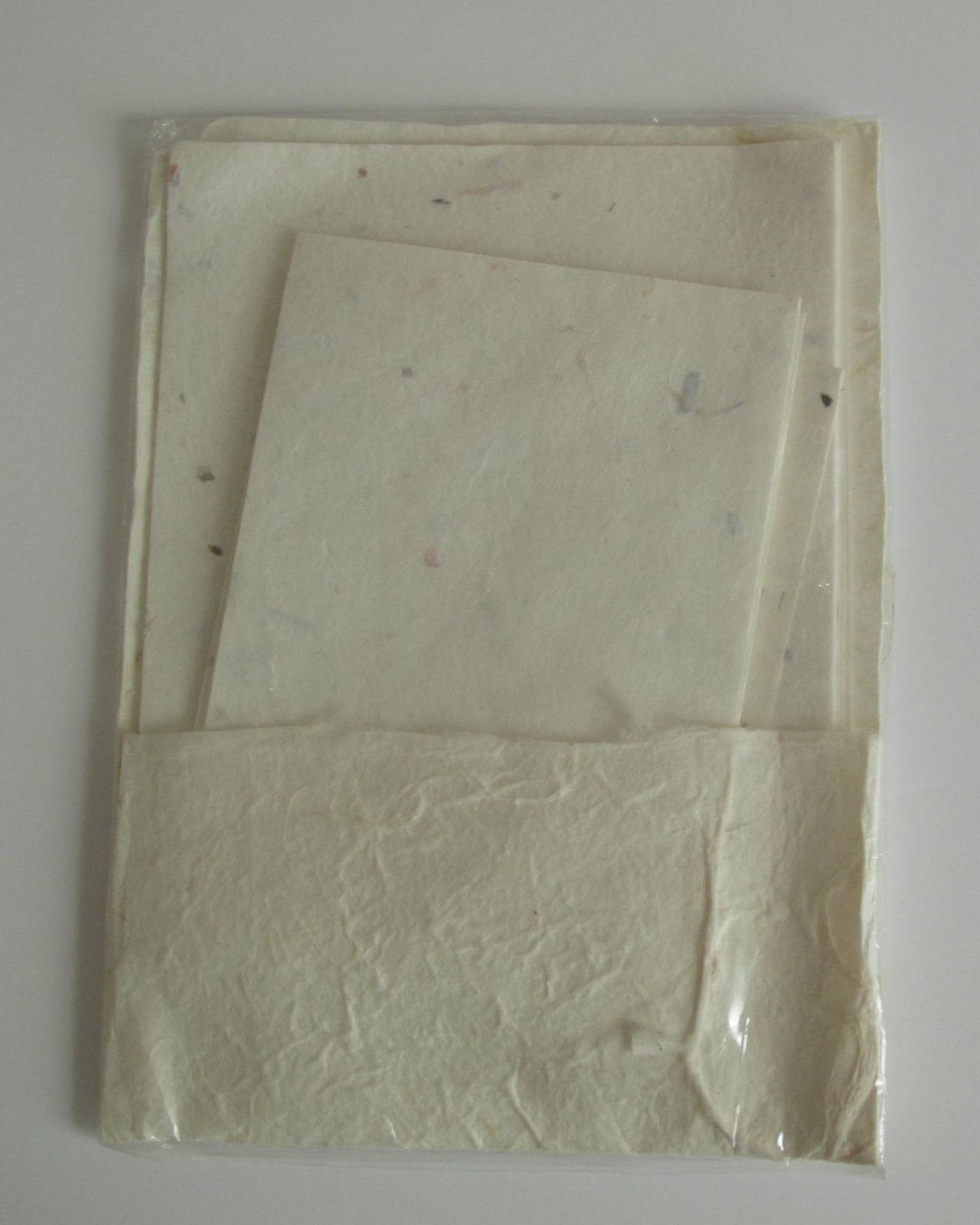 Primary image for Handcrafted Mulberry Paper and Envelopes, 9 sheets and 6 envelopes