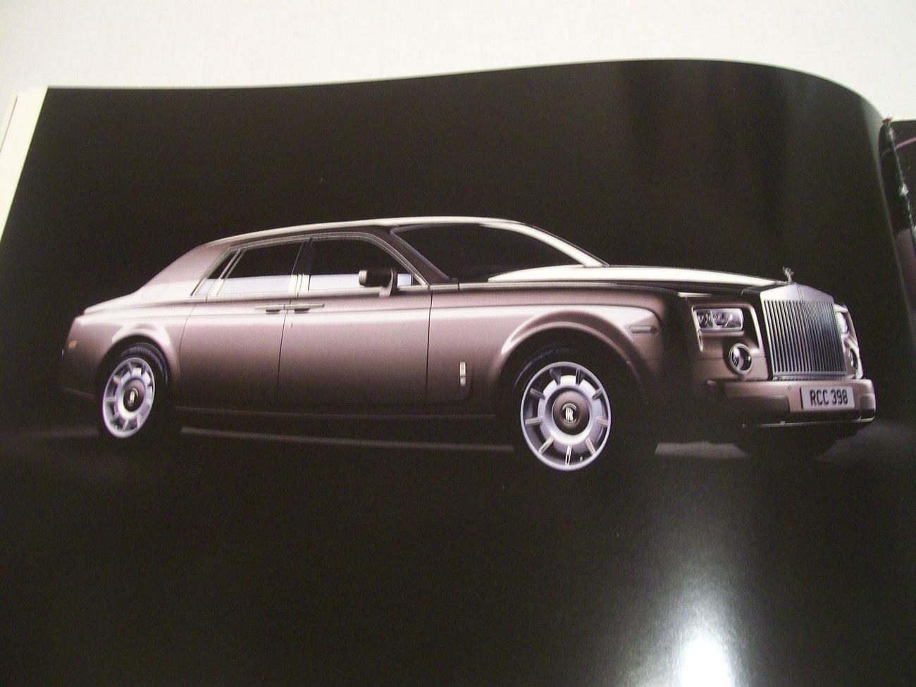 Rolls Royce Phantom Book  2004