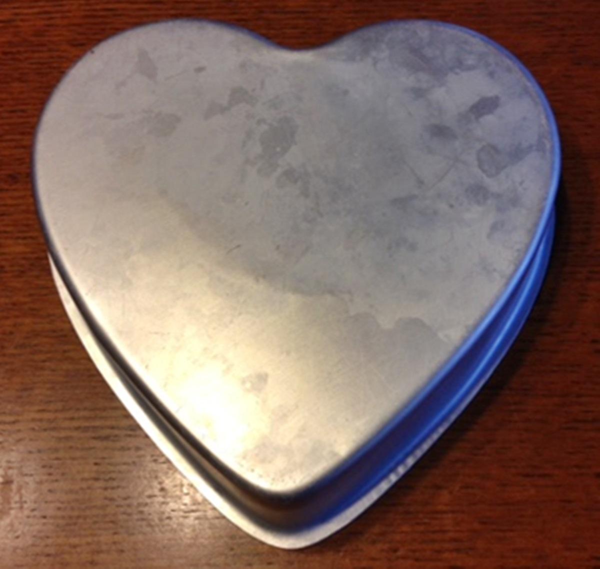 Wilton Cake Pan Heart 9 Inch