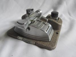 Revere Curv-A-Matic 8 mm & 16 mm Film Splicer - $8.87