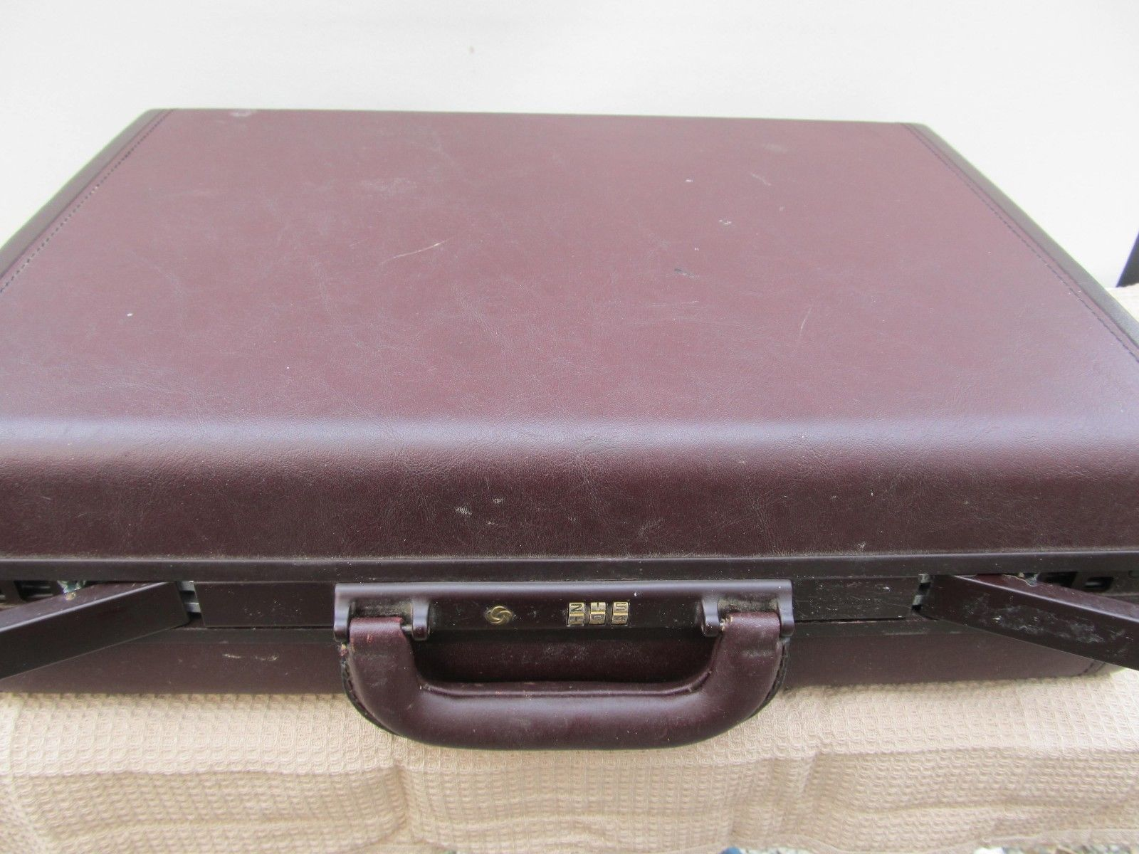 Samsonite Classic Laureate Brown Hard Shell Briefcase Attache with Combination