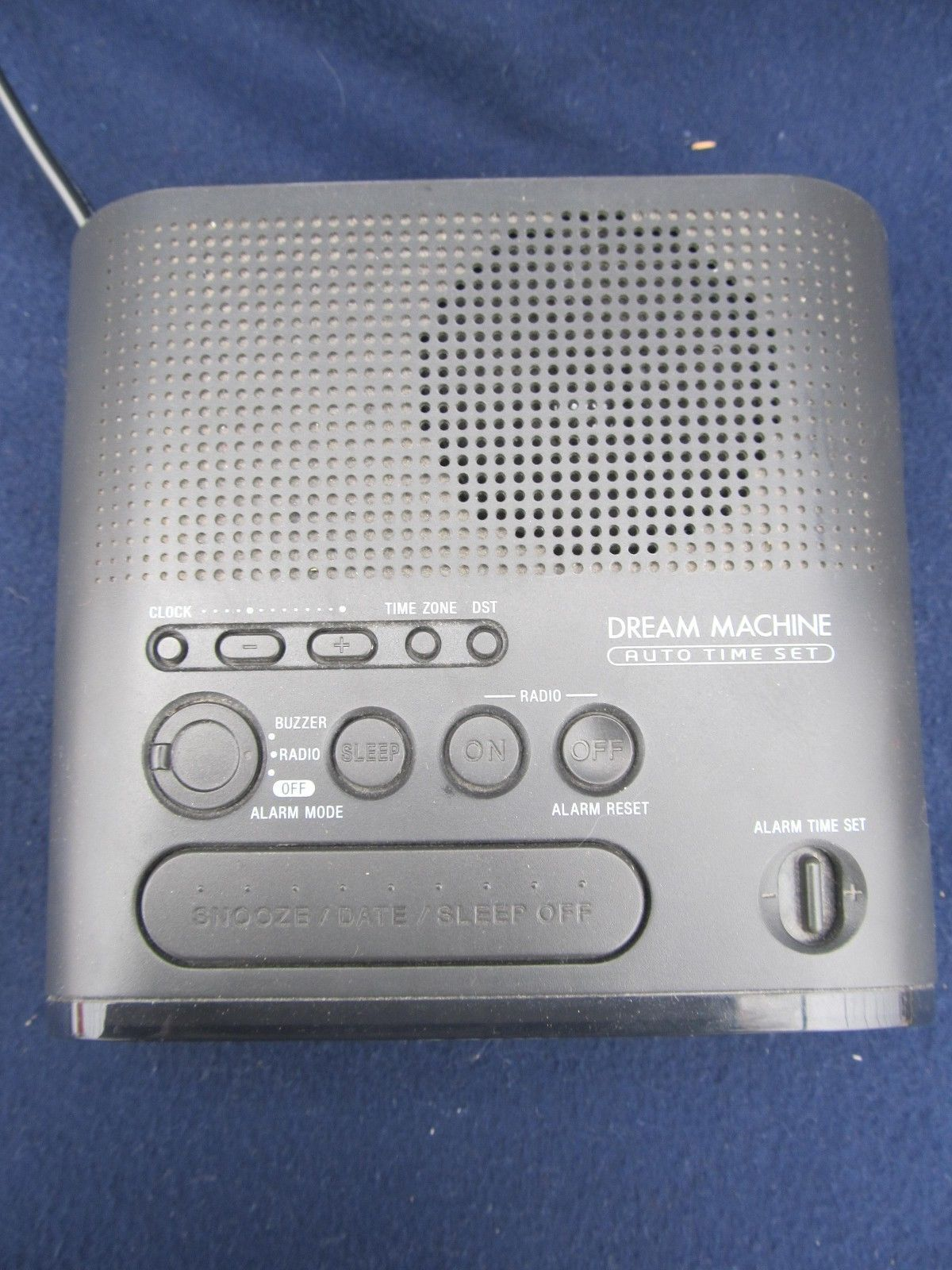 Sony Dream Machine ICF-C218 AM/FM Alarm Clock Radio with Large LED Display