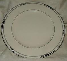 1992-93 Oscar de la Renta RANSOM Dinner Plate Platinum Trim L-2358 Japan - $20.00