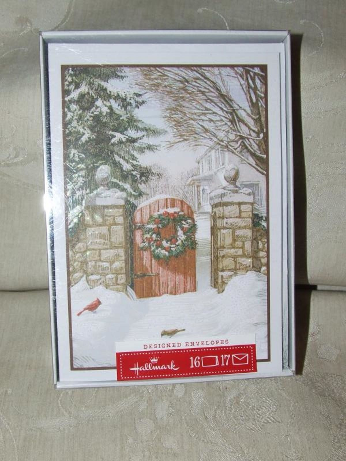 Hallmark CHRISTMAS Xmas Greeting Cards NEW Box of 16 Welcome Home Birds Wreath