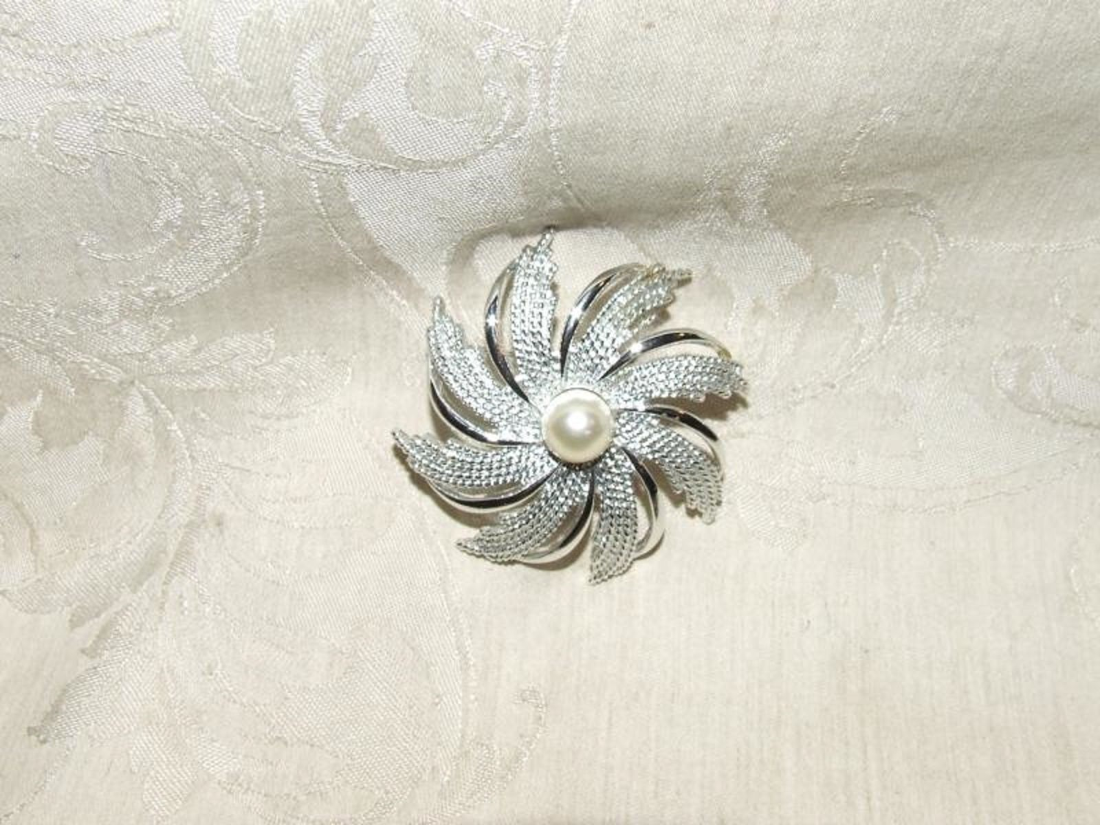 "Primary image for 1960s SARAH COVENTRY 2 1/2"" Swirl Sunburst PIN Silvertone Faux Pearl Center"