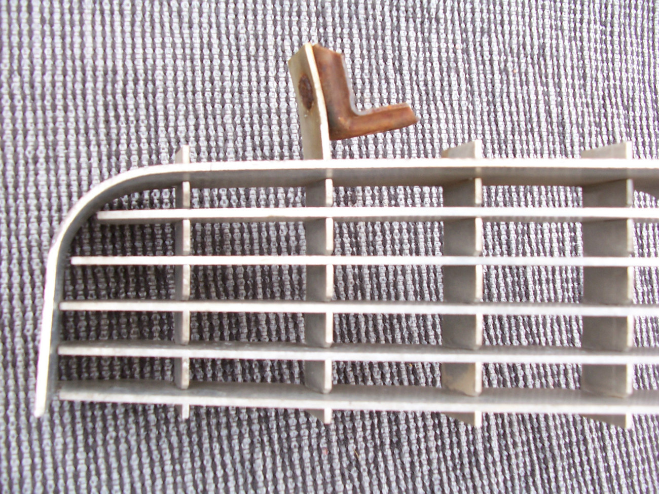 1969 ELDORADO LOWER GRILL OEM USED CADILLAC GRILLE  FRONT SEE PHOTOS