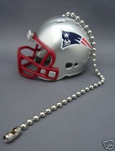 LIGHT/FAN PULL & CHAIN NEW ENGLAND PATRIOTS FOOTBALL