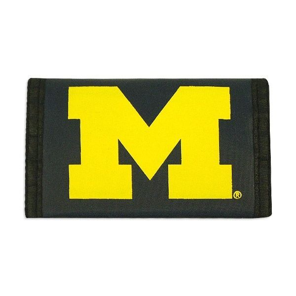 MICHIGAN WOLVERINES TEAM LOGO NYLON TRIFOLD WALLET