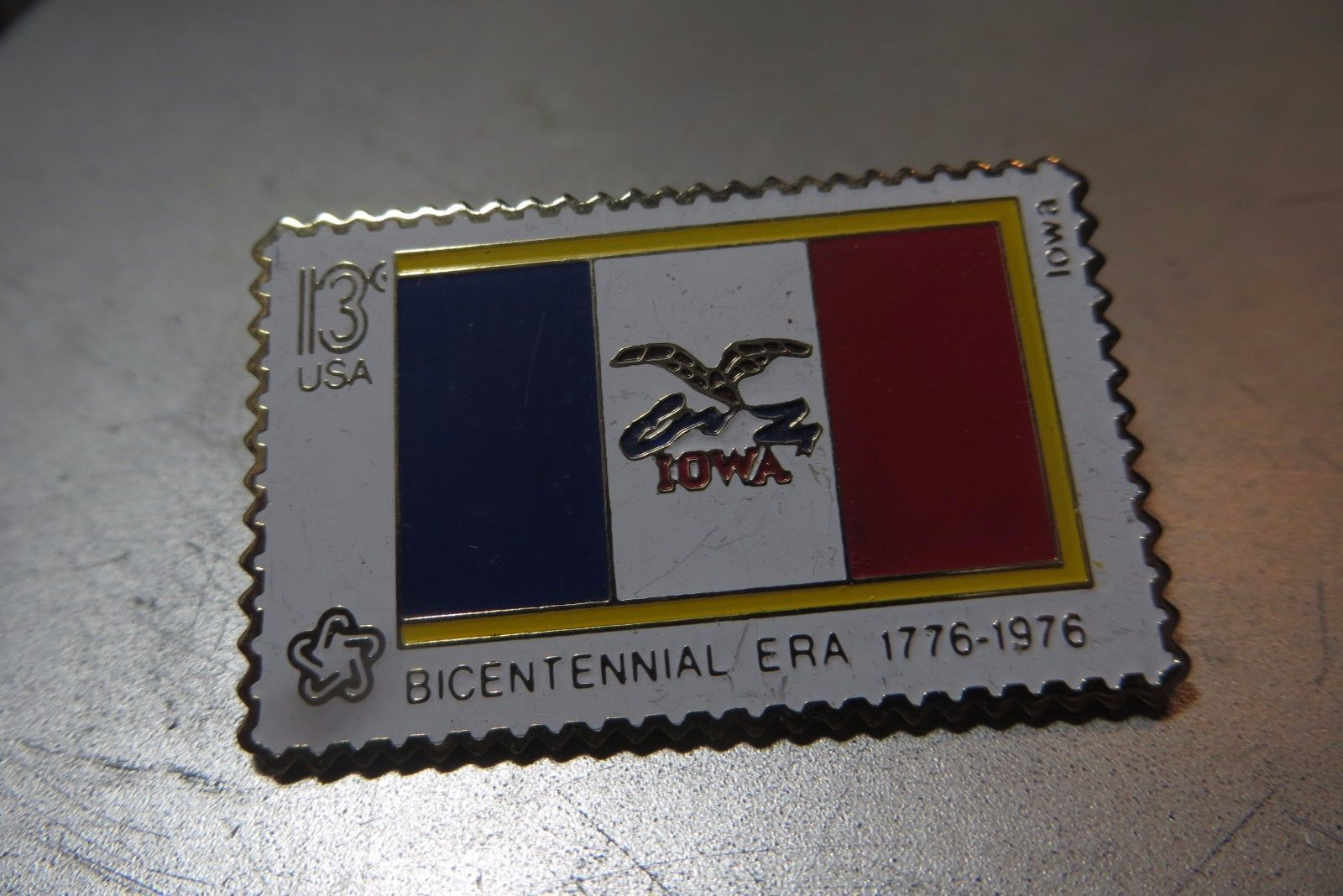 Bicentennial era 1776-1976 State of Iowa 13 cent stamp pin