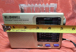 Vintage 9 BAND World Radio By Bell and & Howell image 1